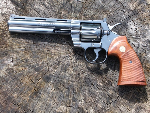Револьвер Colt Python. Источник фото: Википедия