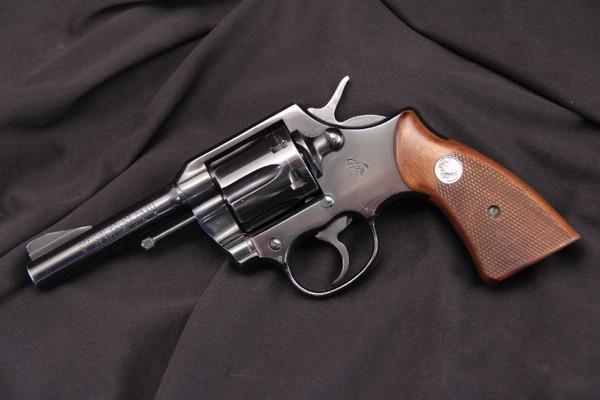 Револьвер Colt Official Police. Источник фото: gunauction.com