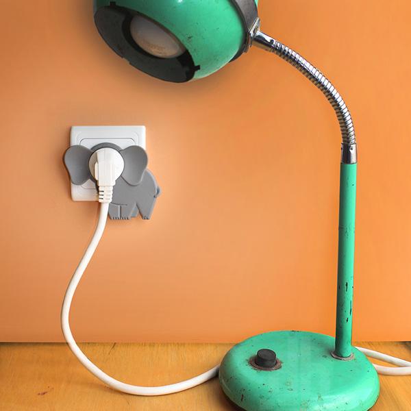 Аксессуар, помогающий по-новому взглянуть на электрическую розетку.