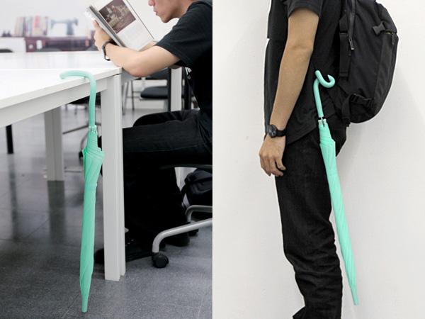 Зонт-трость с гибкой ручкой.