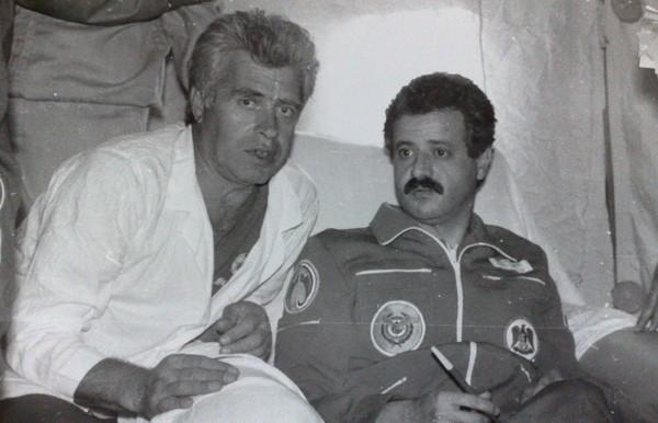 Мухаммед Фарис на станции Мир (справа). Источник фото: ru-cosmos.livejournal.com