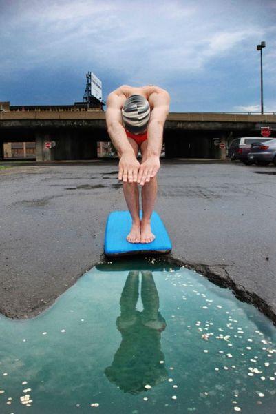 Выбоины в асфальте в роли бассейна