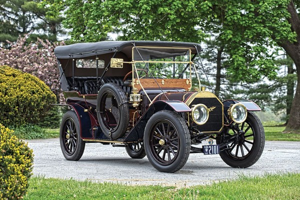 1910 Limited Touring – первый «настоящий» автомобиль. Источник фото: blog.hemmings.com