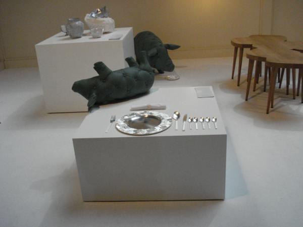 Мебель в форме свиней