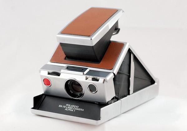 Фотокамера Polaroid SX-70. Источник фото: nerdbynature.net
