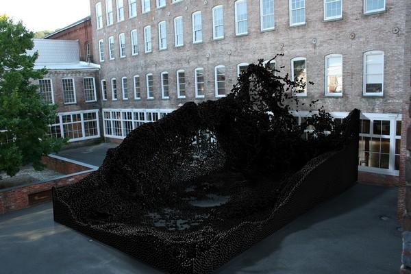Geometric Death Frequency-141 – гигантская работа от роботов-скульпторов. Источник фото: i.materialise.com