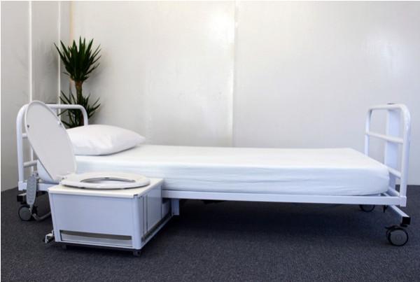 Кровать с туалетом