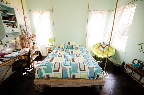 Кровать на веревках