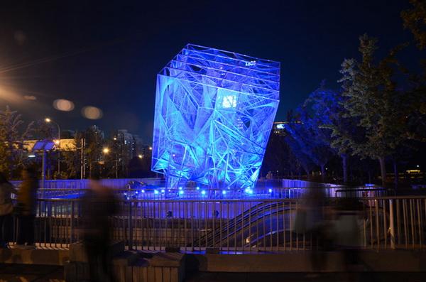 Скульптура в форме куба от Oyler Wu Collaborative