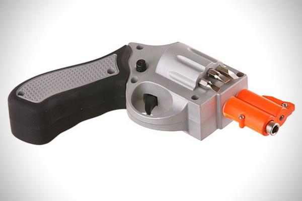 Отвертка в форме огнестрельного оружия