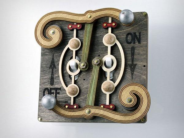 Креативный деревянный выключатель.