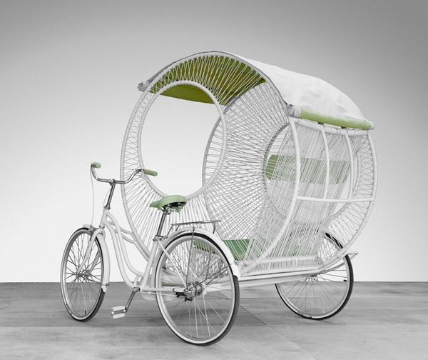 Современная рикша от дизайнера Kenneth Cobonpue.