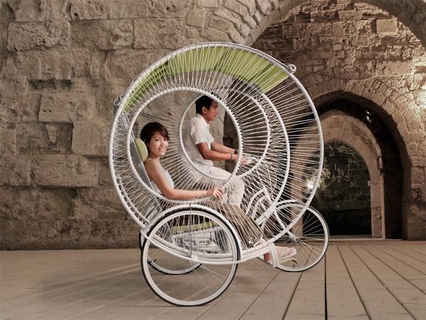 Современная рикша от Kenneth Cobonpue.