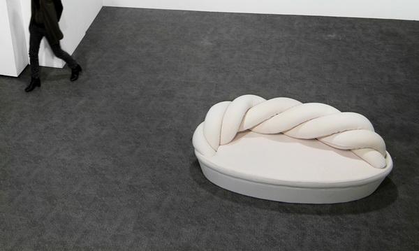 Крученый диван Marshmallow от студии KamKam