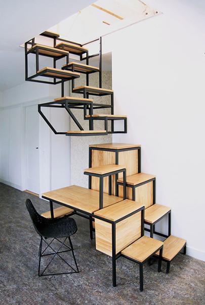 Навесная лестница и письменный стол The Object eleve.