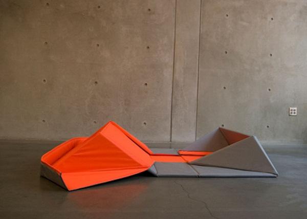 Оригинальная софа-оригами от дизайнера Yumi Yoshida