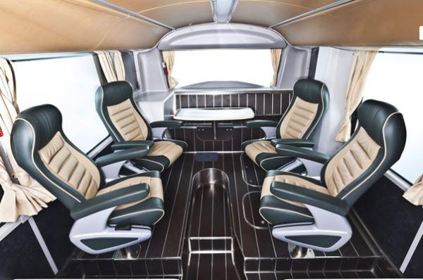 Троллейбус VISEON LT-20: салон для членов королевской семьи
