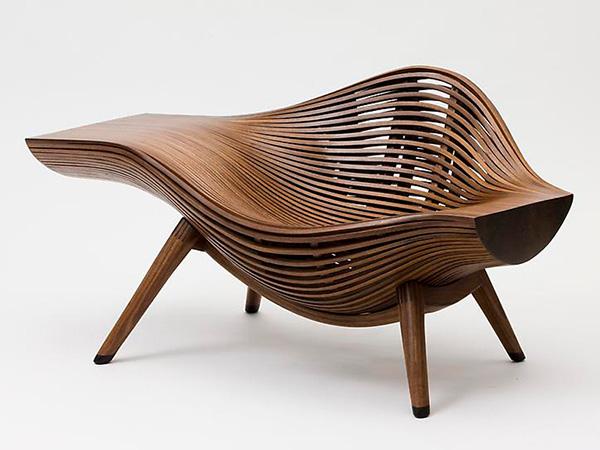 Деревянное кресло от Вae se hwa.
