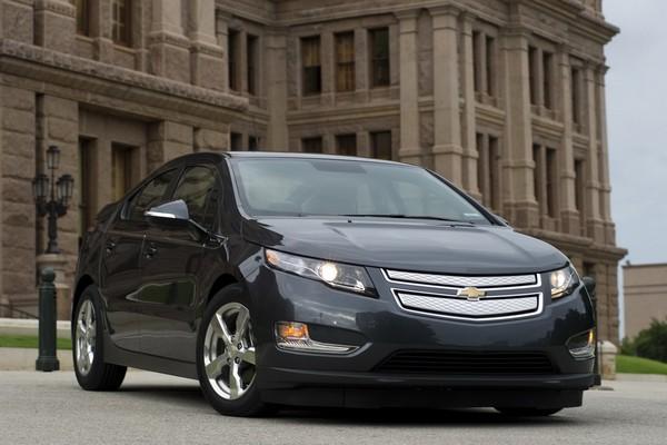 Автомобиль Chevrolet Volt. Источник фото: forwallpapers.com