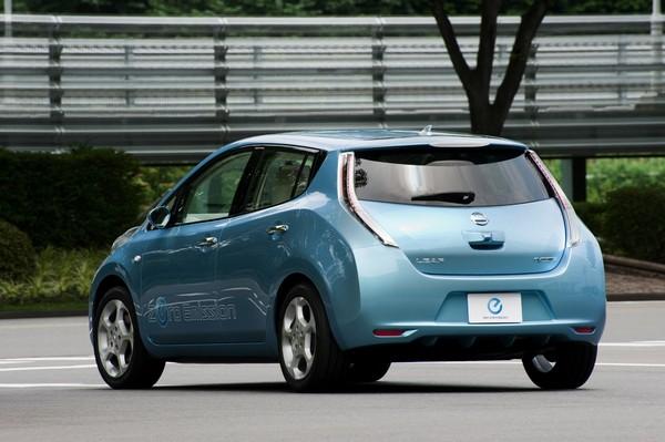 Электромобиль Nissan Leaf. Источник фото: cargreen.ru
