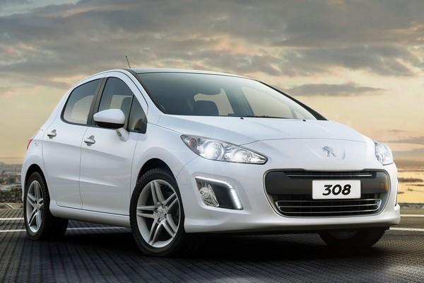 Автомобиль Peugeot 308. Источник фото: zp-news.com