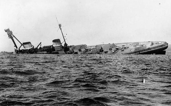 Один из кораблей, севших на мель. Источник фото: morpolit.milportal.ru