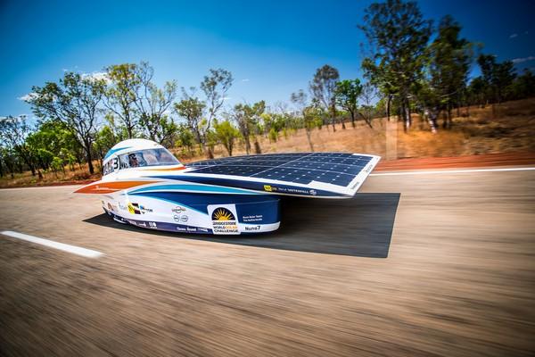 Солнечный гоночный автомобиль Nuna 7. Источник фото: oxeon.se