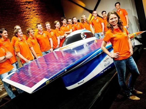 Команда солнечного электромобиля Nuna 7. Источник фото: oxeon.se