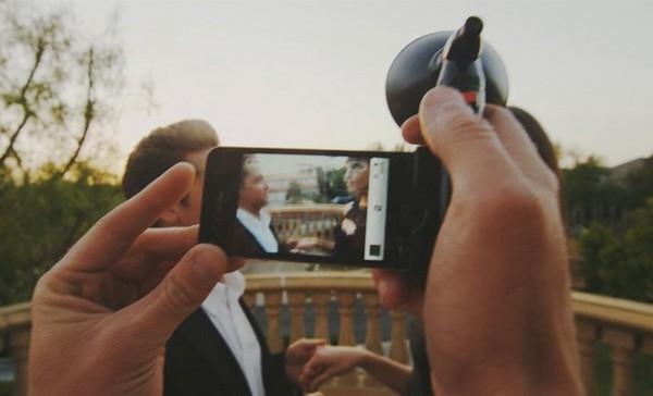 Paparazzo iPhone Light – ретро-вспышка для смартфона. Источник фото: elegantor.com