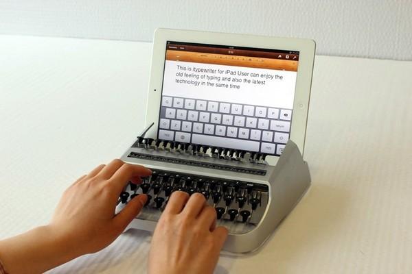 iTypewriter – внешняя клавиатура для iPad в стиле пишущей машинки. Источник фото: mashable.com