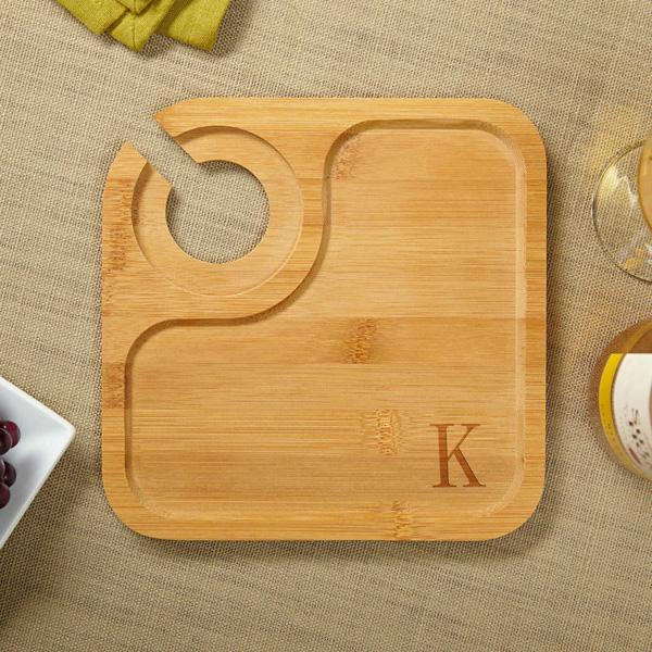 Бамбуковые тарелки, которые можно использовать в качестве сервировочной доски.