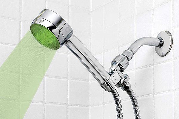 Душевая лейка-индикатор температуры воды.
