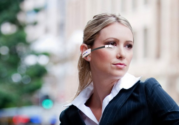 Интерактивные очки Vuzix M100. Источник фото: 24gadget.ru