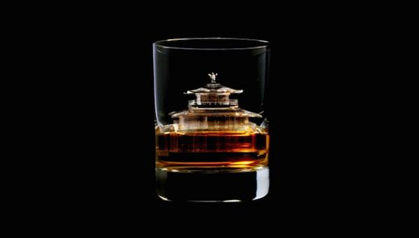 3D-скульптуры изо льда для распития японского виски.