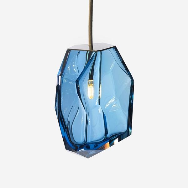Светильник Crystal Rock со стеклянным плафоном.