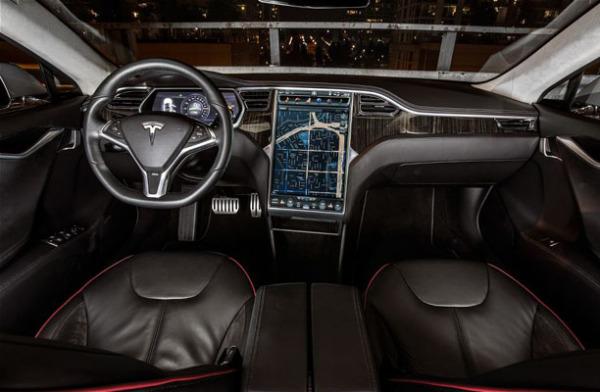 Салон Tesla Model S