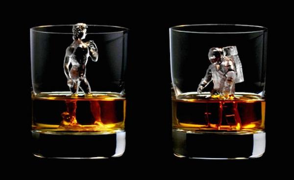 Ледяные статуи для распития виски.