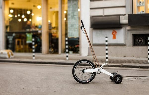 Halfbike: компактное транспортное средство, созданное на базе трехколесного велосипеда.