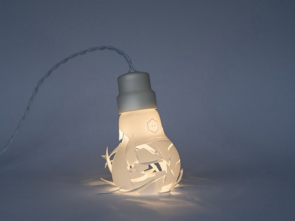 Лампа Breaking Bulbs.