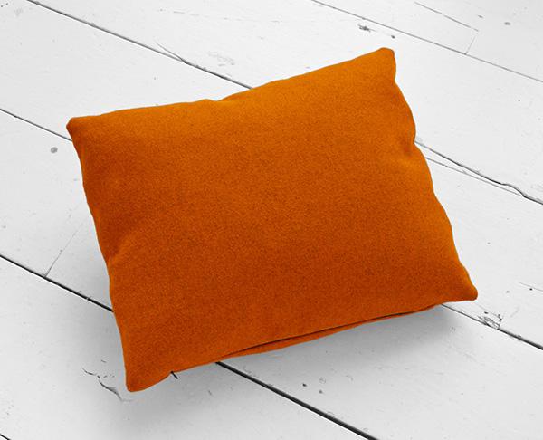 Подушка-держатель для планшета.