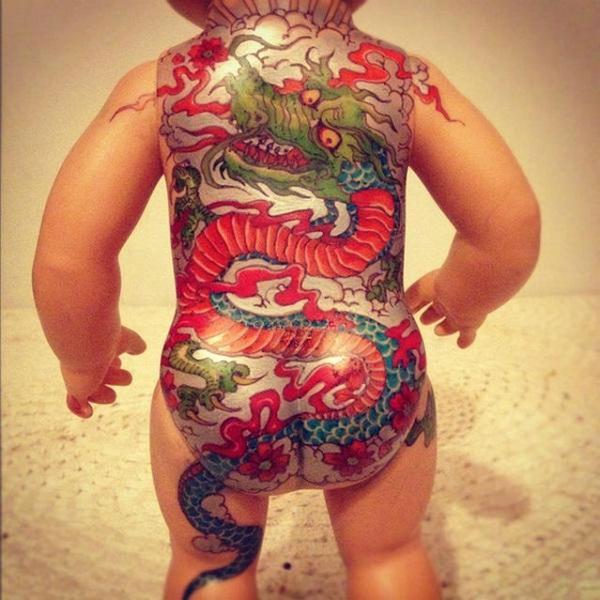 Татуированные винтажные куклы.