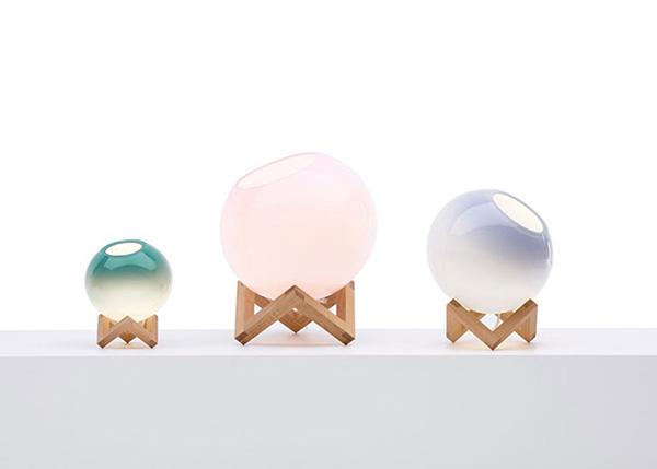 Оригинальные шарообразные светильники.