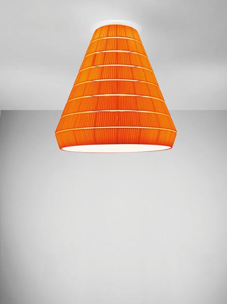 Креативный тканевый светильник.
