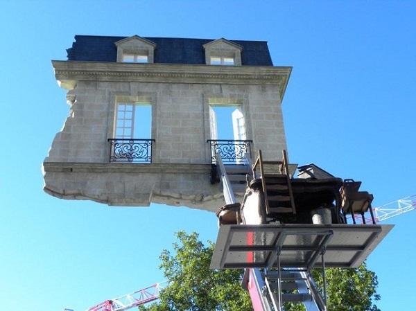 Уникальный архитектурный памятник во Франции.