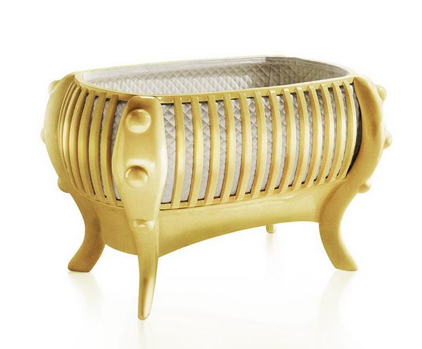 Кровать детская из золота.