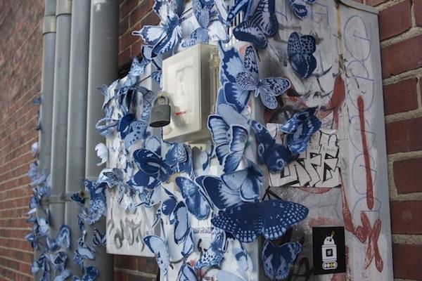 Tasha Lewis и ее магнитные бабочки.