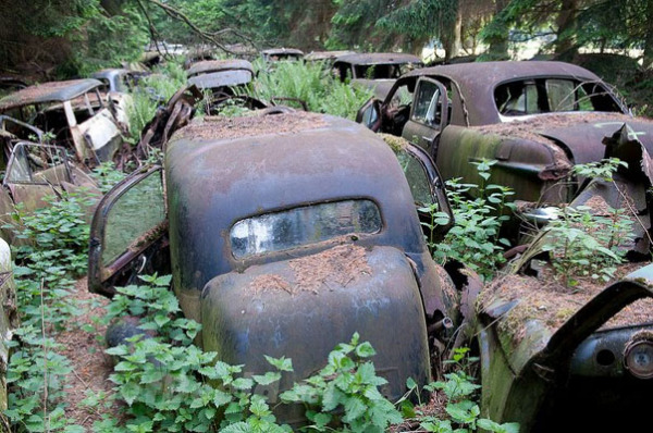 Лесное кладбище автомобилей, Шатийон, Бельгия