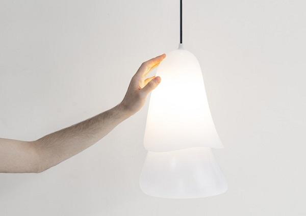 Светильник в форме колокольчика Cape lamp.