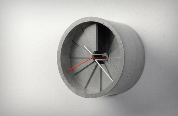Бетонные часы от 22designstudio.