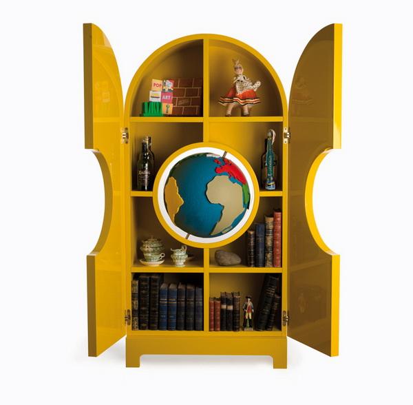 Шкаф для сувениров Globe.